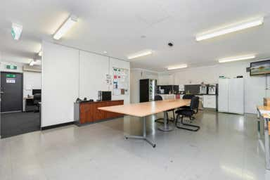 Units 2 & 5, 297 Ingles Street Port Melbourne VIC 3207 - Image 4