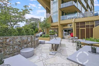 Lume Café, 25 Shafston Avenue Kangaroo Point QLD 4169 - Image 3