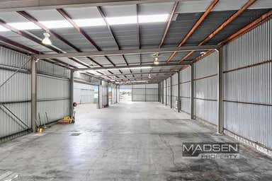 34 Reginald Street Rocklea QLD 4106 - Image 3