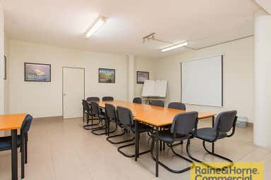 3/61 Holdsworth Street Coorparoo QLD 4151 - Image 4