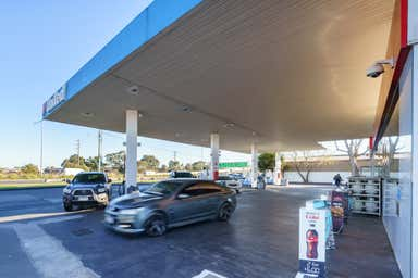 United Petroleum, 132-136 Somerton Road Somerton VIC 3062 - Image 4