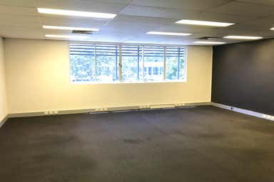 3/50 Secam Street Mansfield QLD 4122 - Image 3