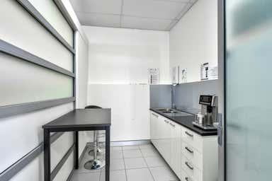 Ground Floor, 189 Cavendish Road Coorparoo QLD 4151 - Image 4