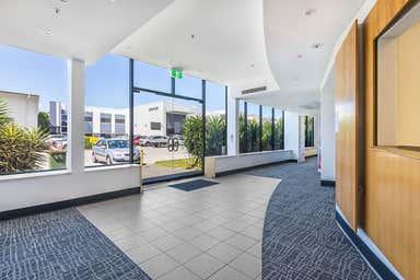 4/231 Holt Street Pinkenba QLD 4008 - Image 3