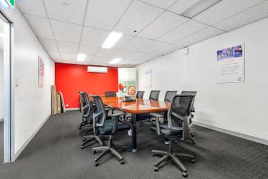Unit 2, 53 Newheath Drive Arundel QLD 4214 - Image 3