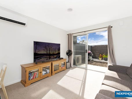 17/41 Pearlman Street, Coombs