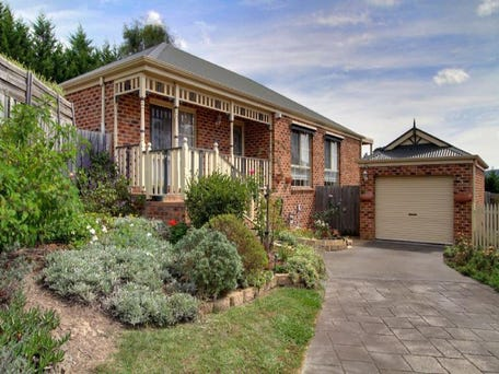 8/1 Ayers Road, Healesville