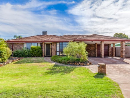 18 monarch court thornlie wa 6108 house for sale