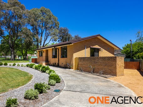 6 Crouch Place, Kambah