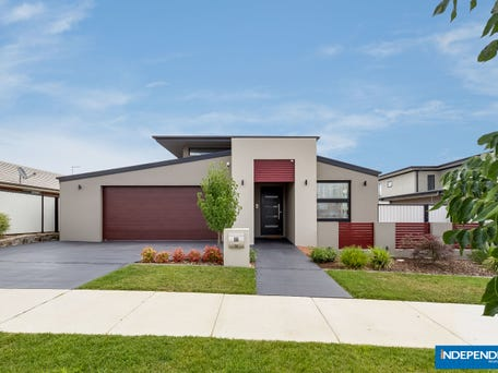 55 Harold White Avenue, Coombs