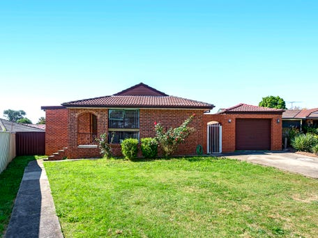 14 Dryberry Avenue, St Clair