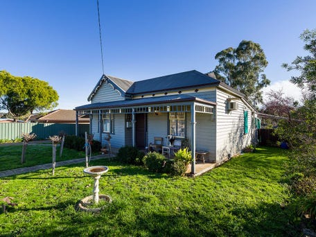 5 Gainsborough Street Castlemaine Vic 3450 House For