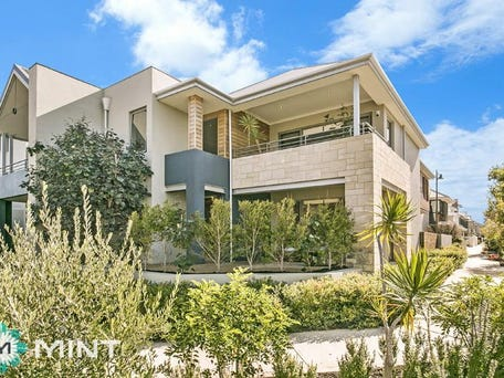 46 Breaksea  Drive, North Coogee