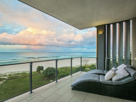 4/399 Golden Four Drive, Tugun