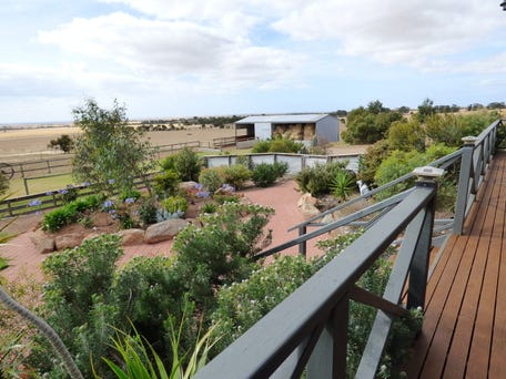 711 Stirlings Road, Tumby Bay