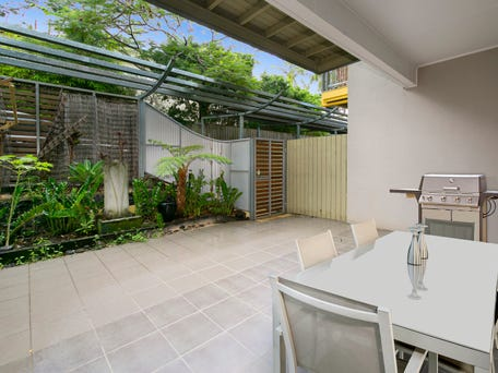 2/23 Curlew Street, Toowong