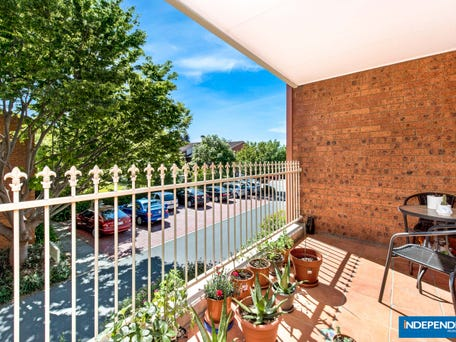 12A/12 Albermarle Place, Phillip
