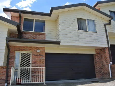 3 12 elliot close raymond terrace nsw 2324 townhouse for for C kitchen raymond terrace