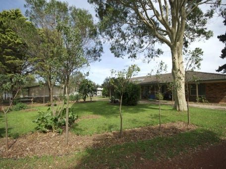 35 Waterfall Creek Road, The Oaks