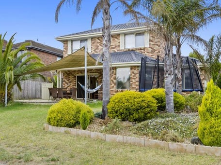 4 Lagoon Place, Patterson Lakes