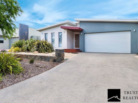 30 Pinnacles street, Harrison