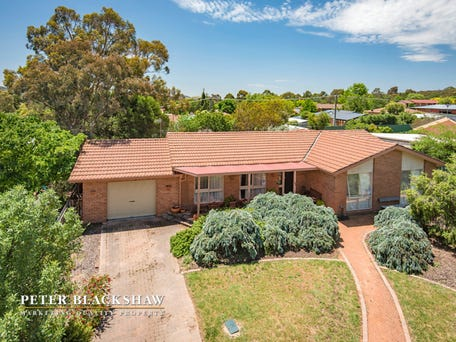 58 Couchman Crescent, Chisholm