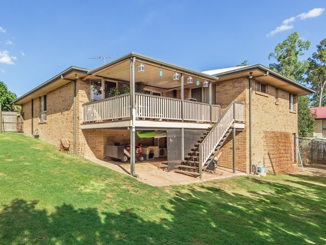 6 Oriole Close, Flinders View, Qld 4305