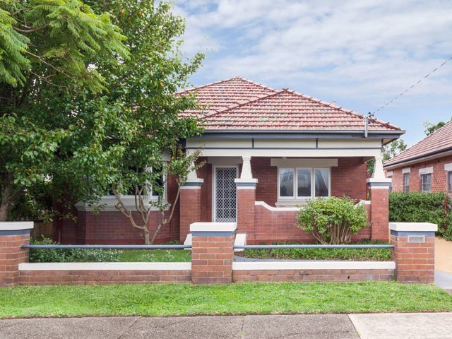 32 Corona Street, Hamilton East, NSW 2303