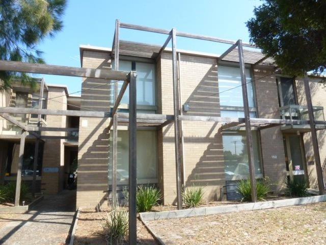 2/152 Bellerine Street, Geelong, Vic 3220