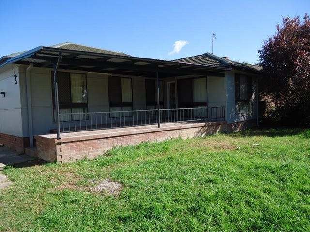 73 Ziegler Avenue, Kooringal, NSW 2650