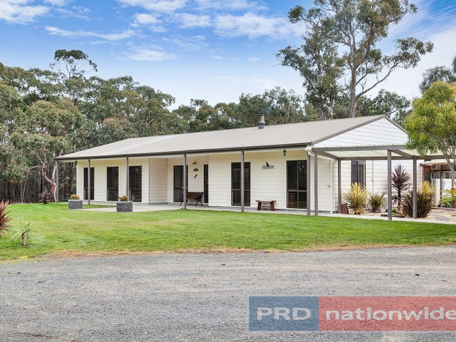 14 Parslow Road, Ross Creek, Vic 3351