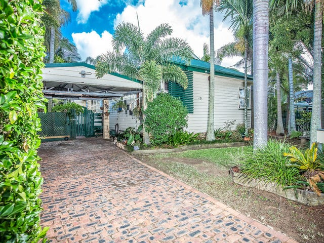 19 Roma Street, Scarborough, Qld 4020