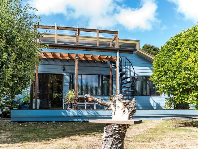 125 The Esplanade, Naracoopa, Tas 7256