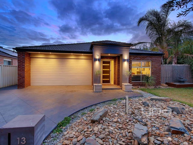 13 Mossbury Court, Taylors Hill, Vic 3037