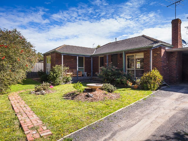 10 Almond Bush Street, Somerville, Vic 3912