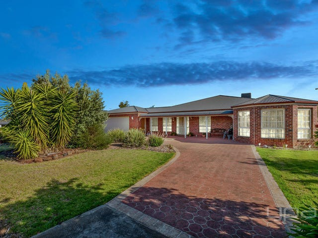 20 Runnymeade Lane, Brookfield, Vic 3338