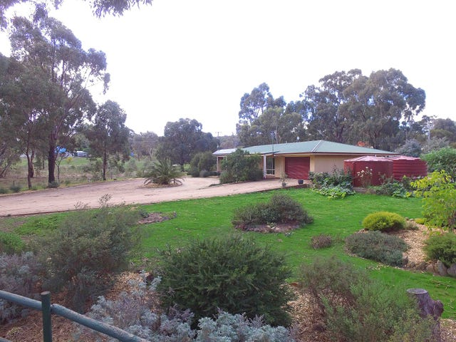56  Golf Links Lane, Heathcote, Vic 3523