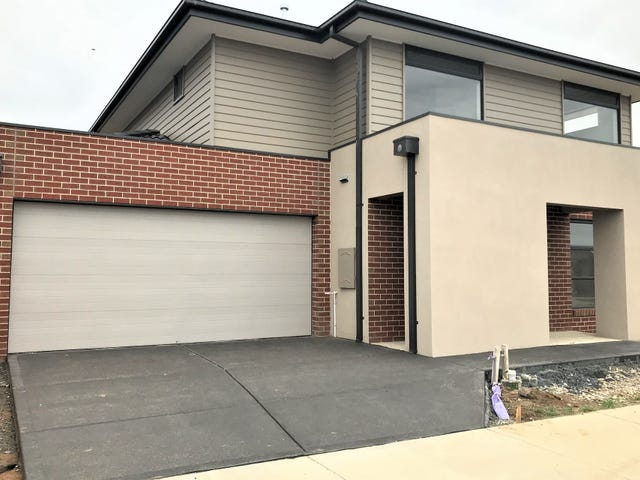3 Bazadaise Drive, Clyde North, Vic 3978