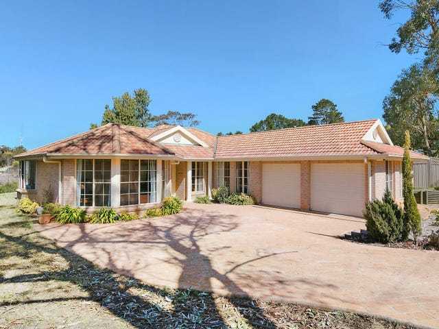 12 Kitchener Avenue, Wentworth Falls, NSW 2782