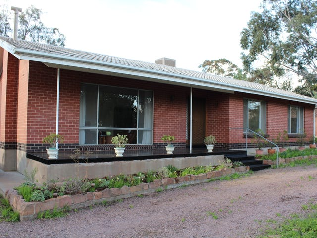 8 First Street, Napperby, SA 5540