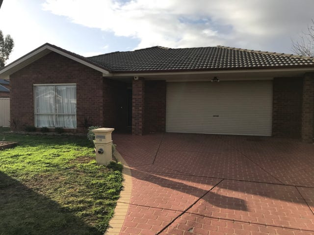 11 Dunrossil Court, Brookfield, Vic 3338