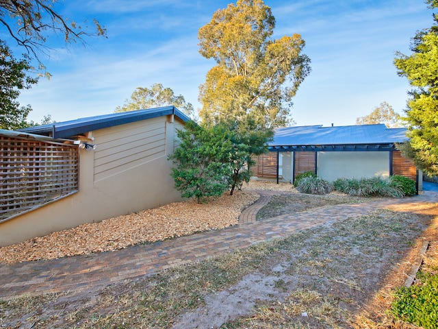 10 Elizabeth Macarthur Avenue, Camden South, NSW 2570