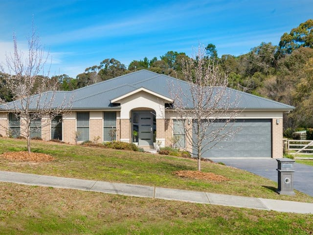 10 Larkin Close, Bundanoon, NSW 2578
