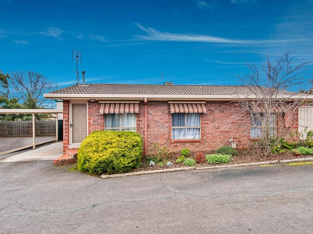 3/8 Clarke Street, Kennington, Vic 3550