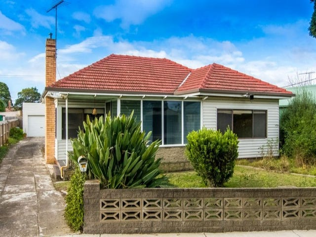1 Murchison Court, Herne Hill, Vic 3218