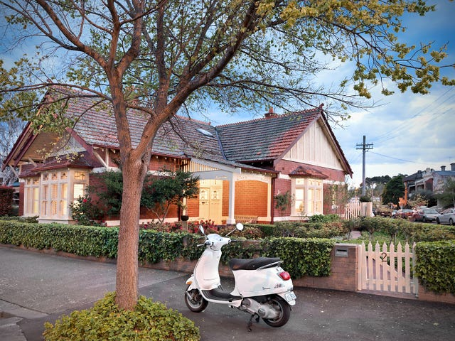 2 Bowen Crescent, Carlton North, Vic 3054