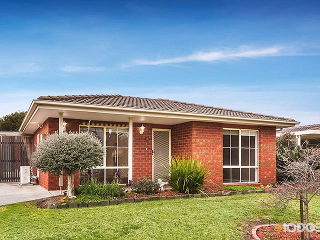 14 Lansell Drive, Cranbourne North, Vic 3977