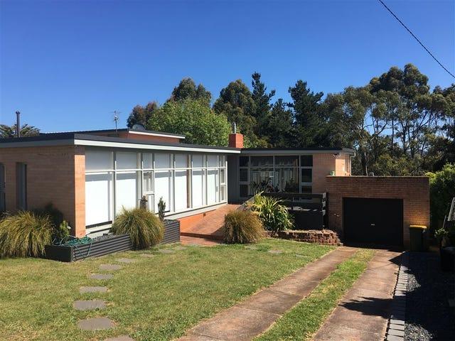 3 Surrey Street, Devonport, Tas 7310