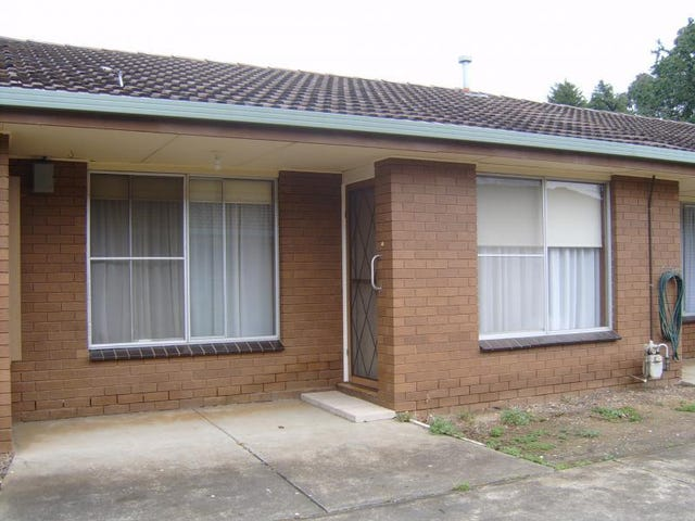 2/203 Dowling Street, Wendouree, Vic 3355