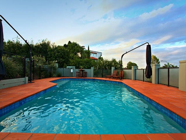 2 Bowman Place, Mount Ommaney, Qld 4074